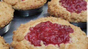 Rhubarb-Crumb-Cakes.jpg - Baked_Goods