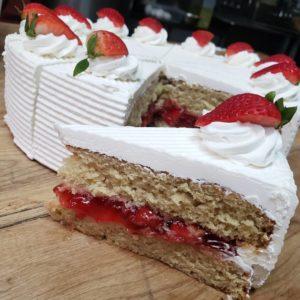 Glutenfree-Strawberries-and-Cream-Cake.jpg - Gluten_Free_Treats