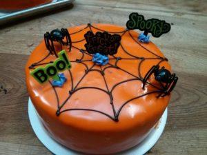 1003498_557320051018725_321580565_n.jpg - Holiday_Cakes