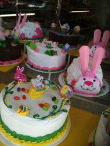 1393507_546156618801735_1253258896_n.jpg - Holiday_Cakes
