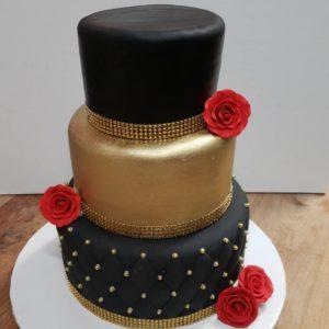 38498274_804990473224816_2713228761842581504_n.jpg - Sweet_Sixteen_&_Quinceanera_Cakes
