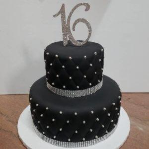 42344227_2097213526969511_4970413604015140384_n.jpg - Sweet_Sixteen_&_Quinceanera_Cakes