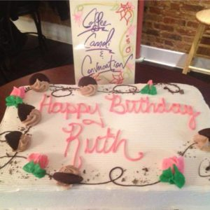 1378369_546159085468155_1656355279_n.jpg - Womens_Birthday_Cakes