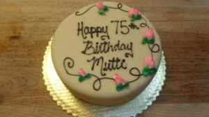 1382283_546151868802210_99156496_n.jpg - Womens_Birthday_Cakes