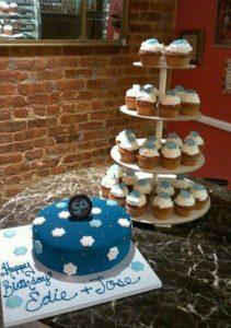 558838_546152678802129_840108707_n.jpg - Womens_Birthday_Cakes