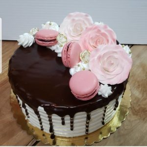 57188293_162286668118545_5961772880997067834_n.jpg - Womens_Birthday_Cakes